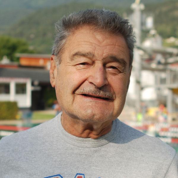 Dr. Helmut Forster